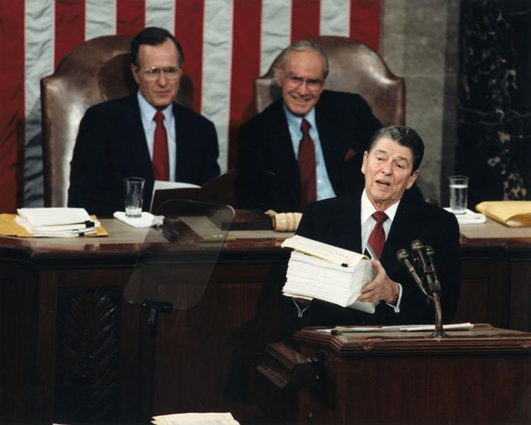 Reagan gives the State of the Union Address to Congress - 1988