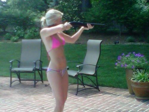 Girls and guns. FaF.