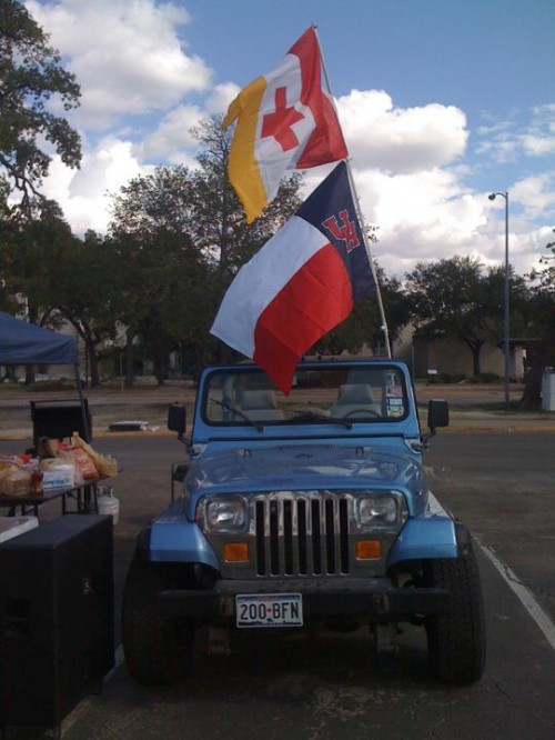 The Jeep at tailgate early. TFM.