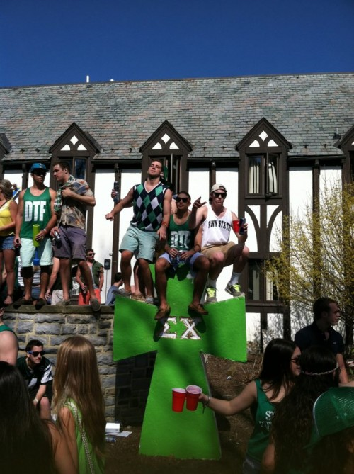 Update from the castle on St. Patrick's Day. TFM.
