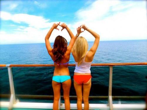 Chi Omega sisters at sea. TSM.