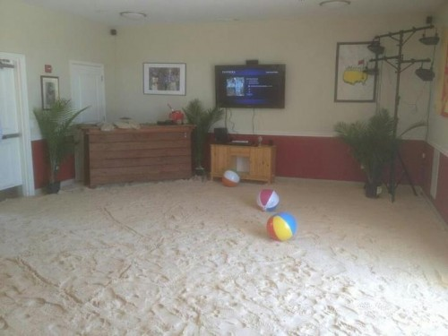 """Putting 4 tons of sand in your house to have a """"Buffett Bash."""" TFM."""