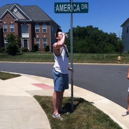 America Drive. TFM.