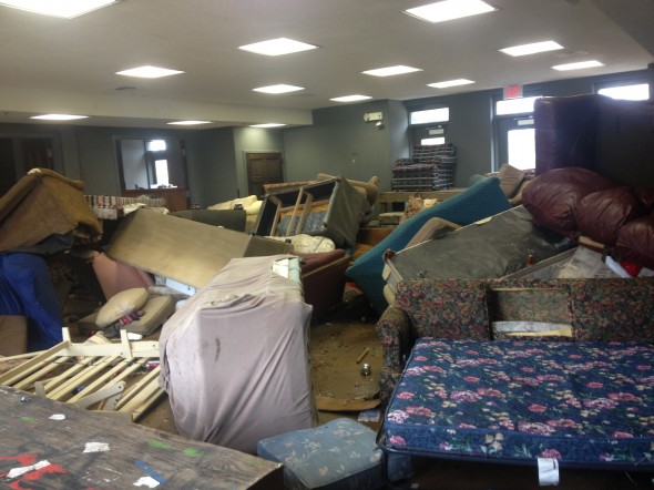Beta at Auburn's Christmas party aftermath. TFM.