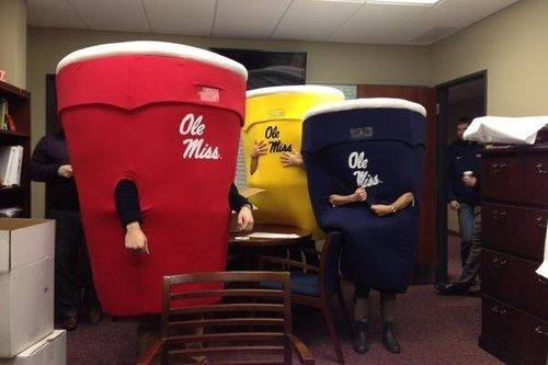 Ole Miss using Solo Cups as their 7th inning stretch mascot race. TFM.