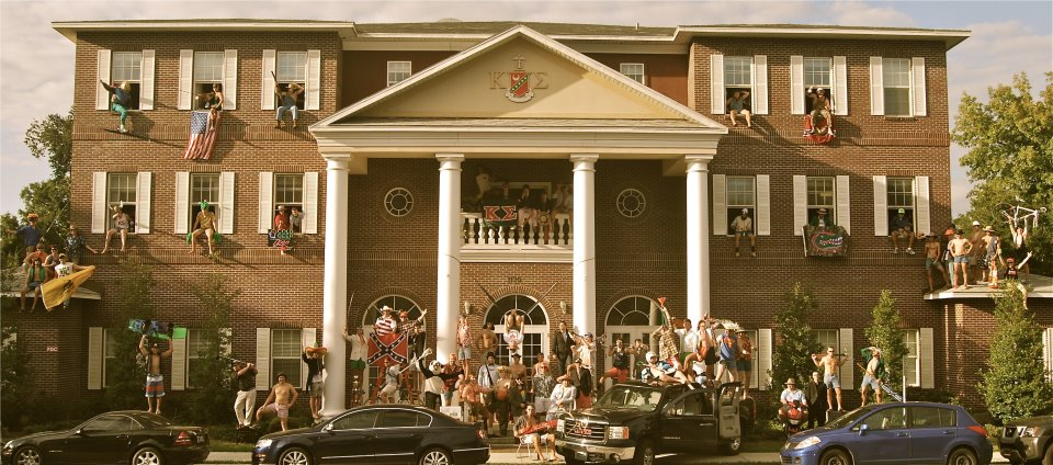 Total Frat Move Pros And Cons Of Moving Out Of Your