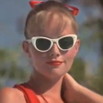 Squints Puts The Moves On Wendy Peffercorn