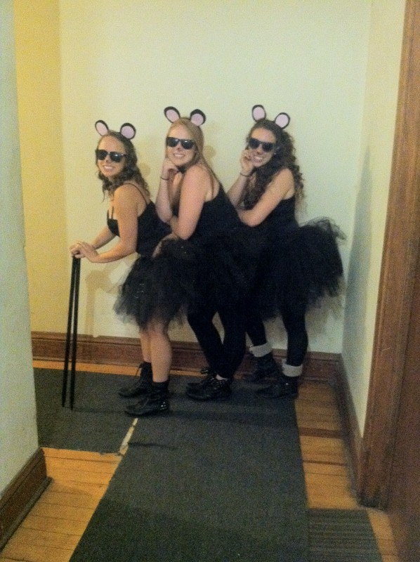 Blind mice can't see.