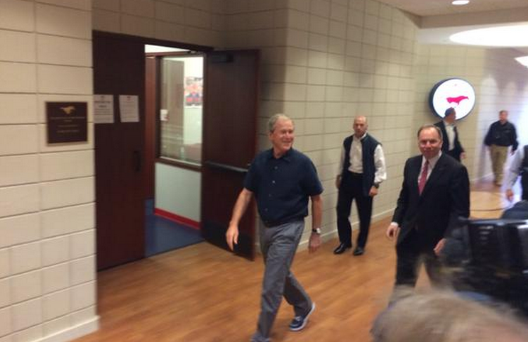 George W Bush Gave The SMU Basketball Team A Pre-Tourney Pep Talk