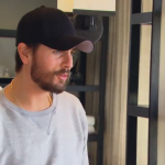 Scott Disick Offers To Shave His Wife's Vag For A Fee