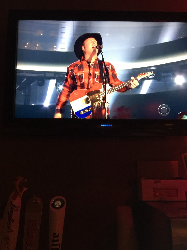 Garth Brooks' guitar. TFM.