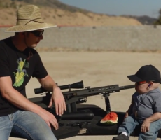 Watch Verne Troyer AKA Mini-Me Shoot Guns That Are Bigger Than Him