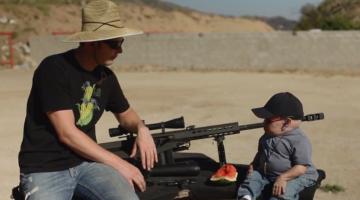 Watch Verne Troyer AKA Mini-Me Shoot Guns That Are Bigger Than Him