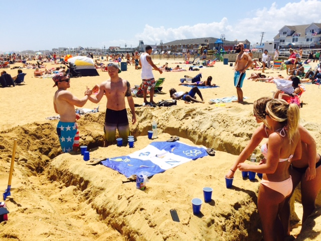 Summer beach pong. TFM.