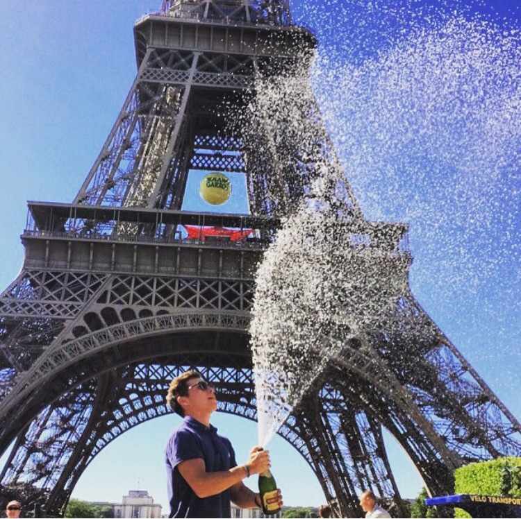 Eiffel showers. TFM.