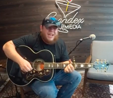 "Luke Combs plays ""Hurricane"" on the Inside TFM Podcast"