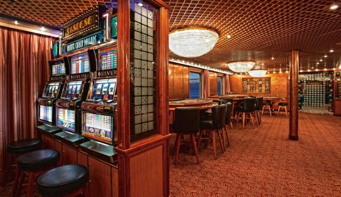 silversea-silverCloud-casino-1-702x405