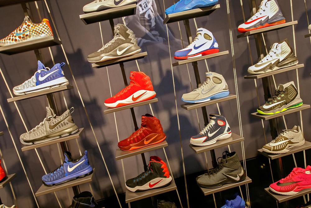 sneakers con man florida