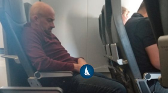 guy pee on flight